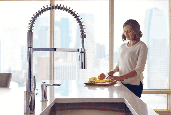 14 Best Commercial Kitchen Faucets – (Reviews & Guide 2020)